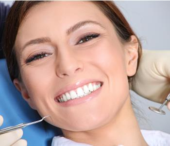 Dr. Palmer on cosmetic dentistry Greenville, SC residents discover porcelain veneers with a cosmetic dentist in my area